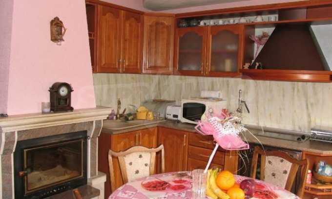 Тристаен апартамент в идеалния център на гр. Добрич 14