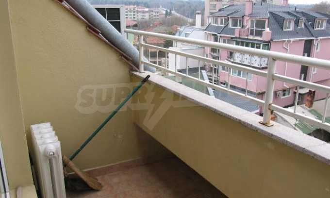 Тристаен апартамент в идеалния център на гр. Добрич 21