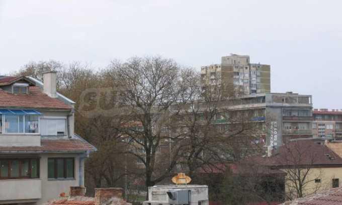 Тристаен апартамент в идеалния център на гр. Добрич 24