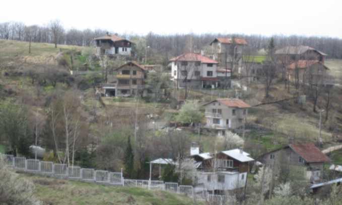 Three neighbouring plots of land in Rudartsi 8