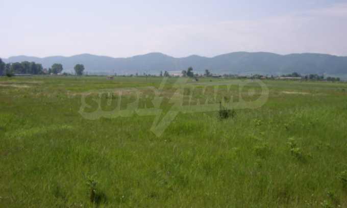 Земеделска земя в гр. Ихтиман 1
