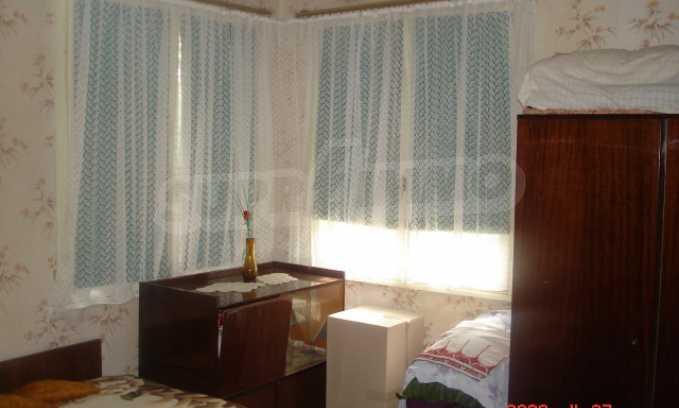Къща в голямо село на 10 км от гр. Белоградчик 8