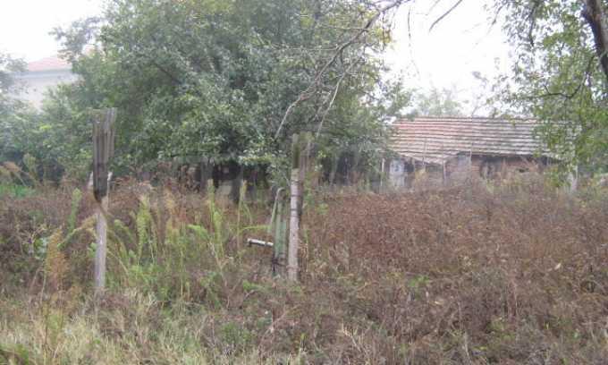 Haus in einem malerischen Dorf an der Küste des Flusses Donau 14