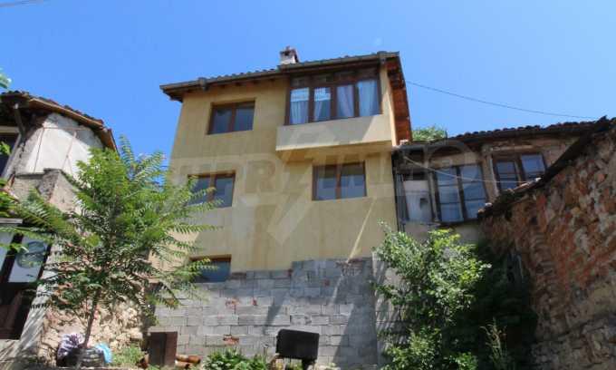 Къща след ремонт в старата част на Велико Търново 4