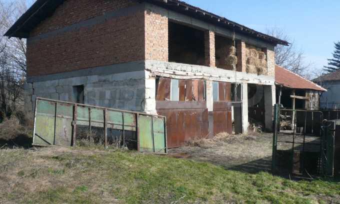 Breites Haus mit großem Hof, 3 km von Donau entfernt 16