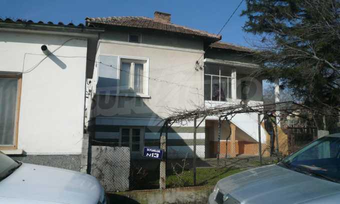 Breites Haus mit großem Hof, 3 km von Donau entfernt 1