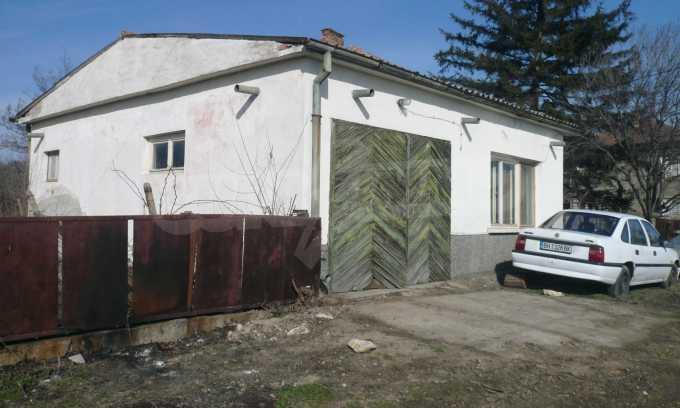 Breites Haus mit großem Hof, 3 km von Donau entfernt 4