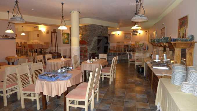 Möbliertes Restaurant im Komplex Grand Montana Bansko 1