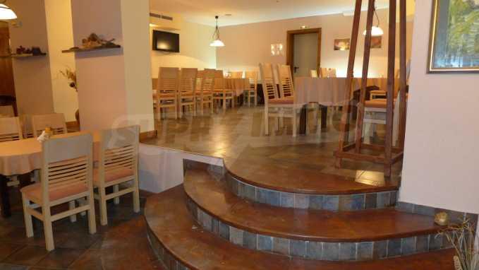 Möbliertes Restaurant im Komplex Grand Montana Bansko 5