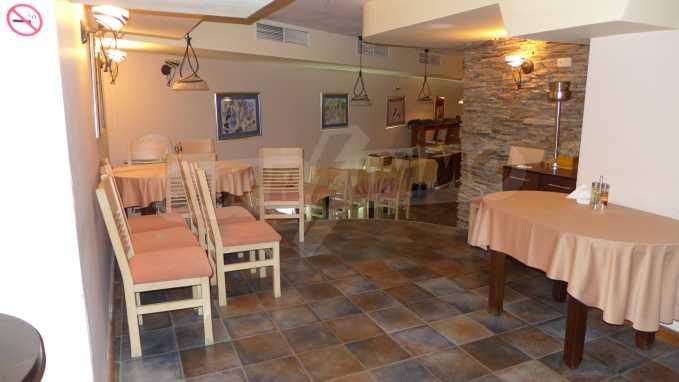 Möbliertes Restaurant im Komplex Grand Montana Bansko 6