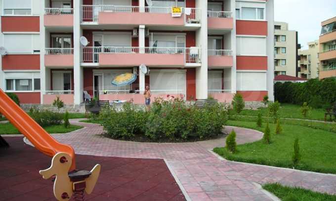 Двухкомнатная квартира в комплексе «Сани Форт» 11