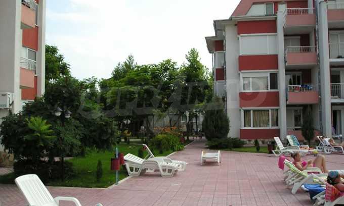 Двухкомнатная квартира в комплексе «Сани Форт» 2