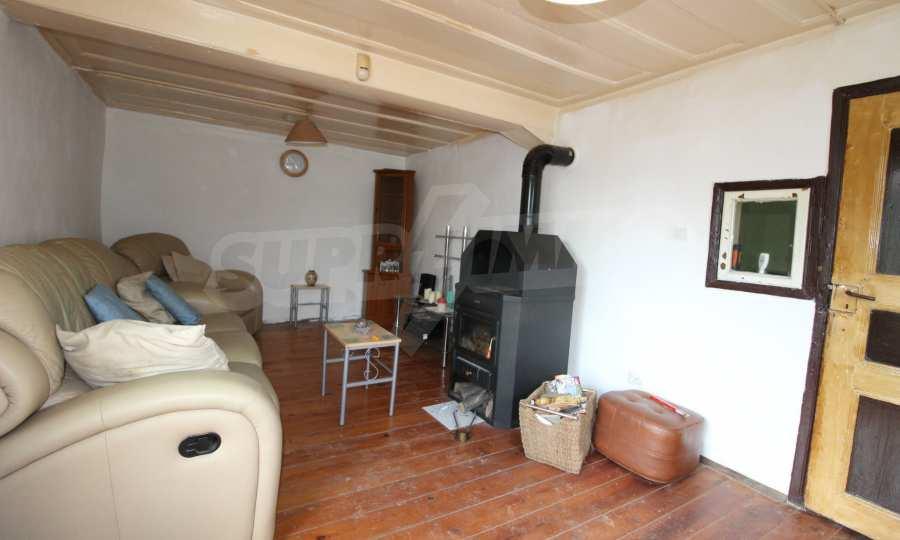 12 km von der Stadt Veliko Tarnovo entferntes renoviertes Haus 13