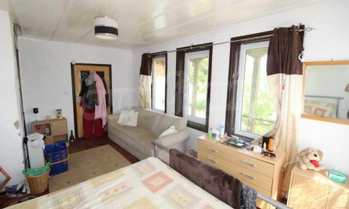 12 km von der Stadt Veliko Tarnovo entferntes renoviertes Haus 35