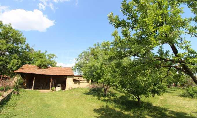 12 km von der Stadt Veliko Tarnovo entferntes renoviertes Haus 48