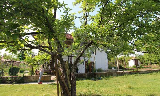 12 km von der Stadt Veliko Tarnovo entferntes renoviertes Haus 50