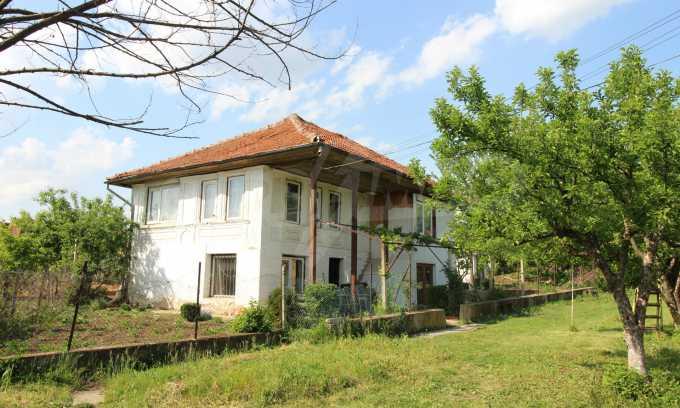 12 km von der Stadt Veliko Tarnovo entferntes renoviertes Haus 54