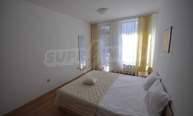 Двустаен апартамент в луксозен комплекс до голф-игрище 9