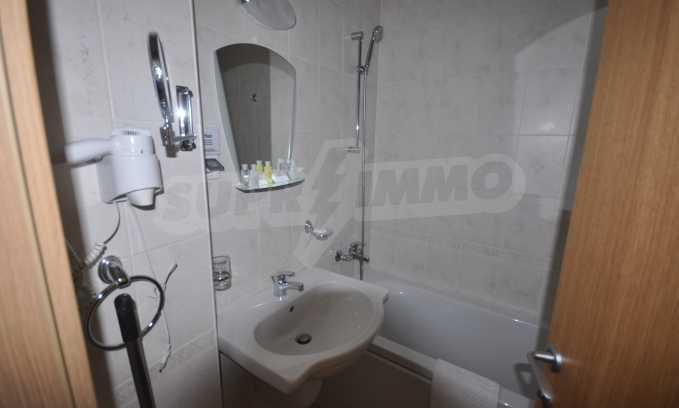 Двустаен апартамент в луксозен комплекс до голф-игрище 12