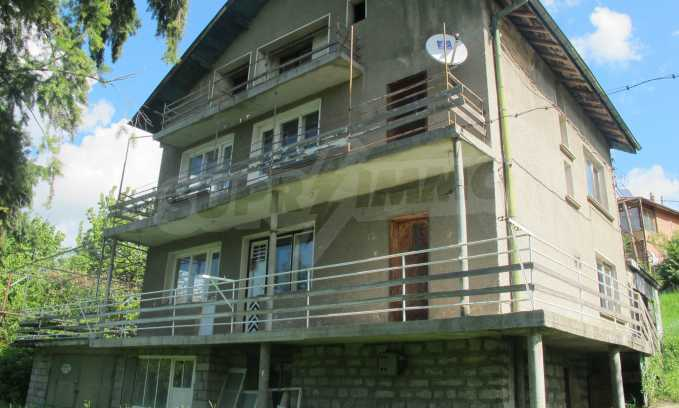 Two-family house in a picturesque area near Sofia 1