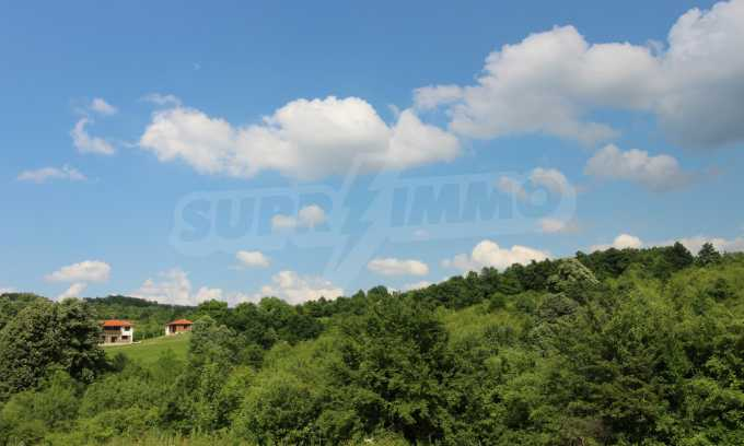 Уникално вилно селище с кръгли къщи на 50 км от Велико Търново  1
