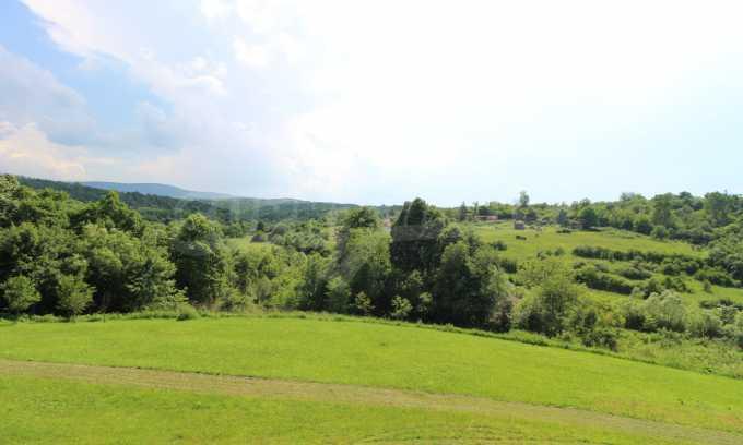Уникално вилно селище с кръгли къщи на 50 км от Велико Търново  44