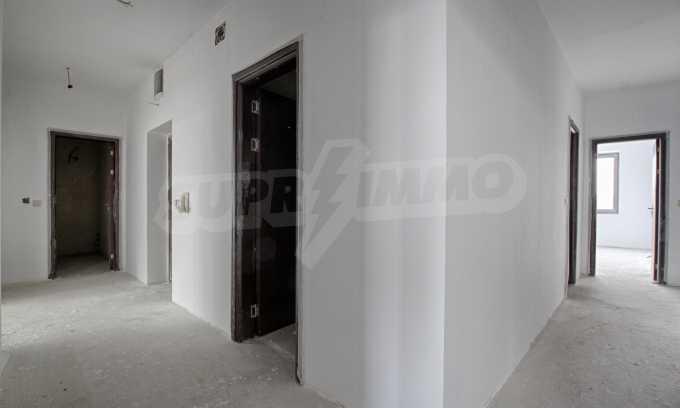 Многостаен апартамент в нова сграда на Околовръстен път 3