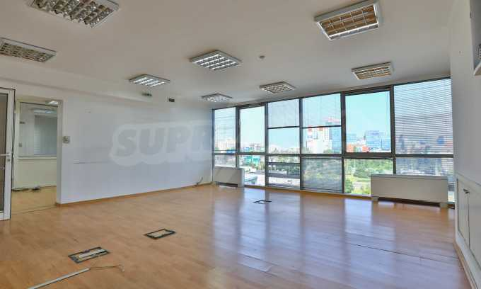 Офис в бизнес сграда висок клас на бул. Цариградско шосе 21