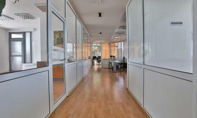 Офис в бизнес сграда висок клас на бул. Цариградско шосе 35