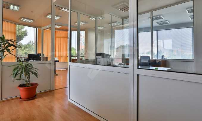 Офис в бизнес сграда висок клас на бул. Цариградско шосе 37