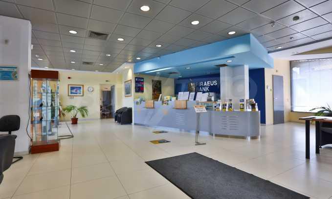 Голям офис в луксозна сграда на бул. Цариградско шосе