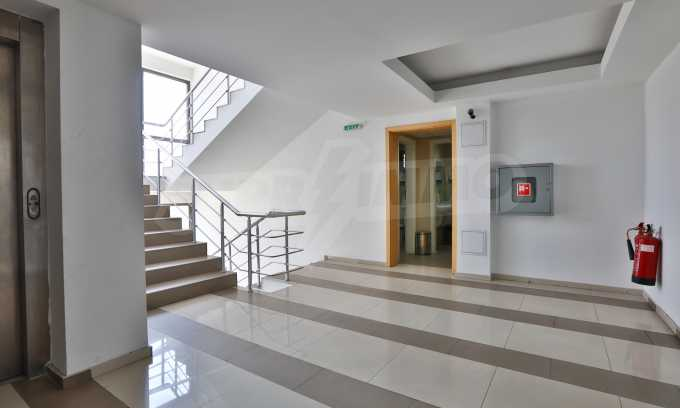 Голям офис в луксозна сграда на бул. Цариградско шосе 27
