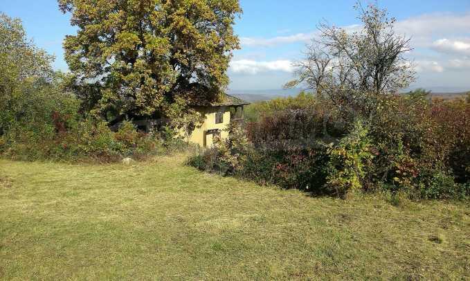 Двуетажна къща в красиво планинско село, до езеро 20