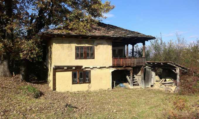 Двуетажна къща в красиво планинско село, до езеро 31