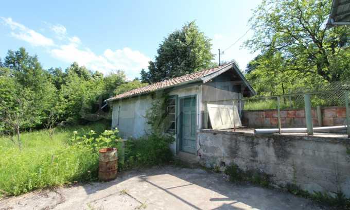 Реновирана двуетажна къща само на 5 км от град Габрово  17