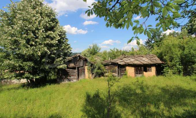 Реновирана двуетажна къща само на 5 км от град Габрово  19