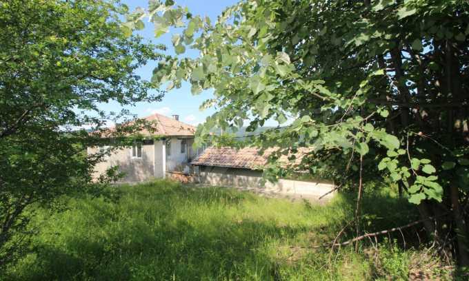 Реновирана двуетажна къща само на 5 км от град Габрово  20