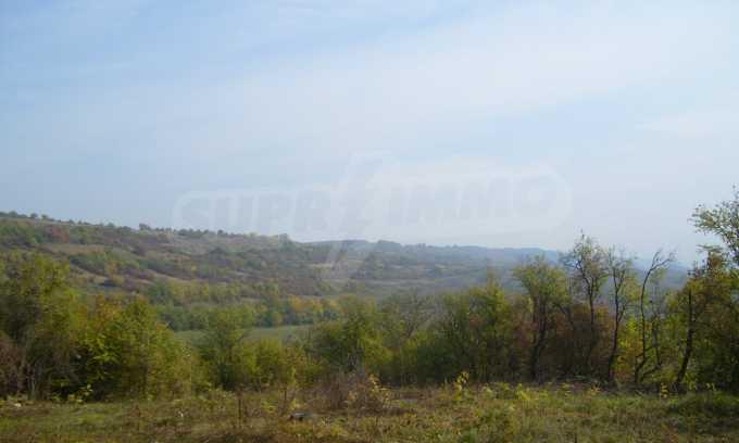 УПИ в планинско село на 17 км от Велико Търново 4
