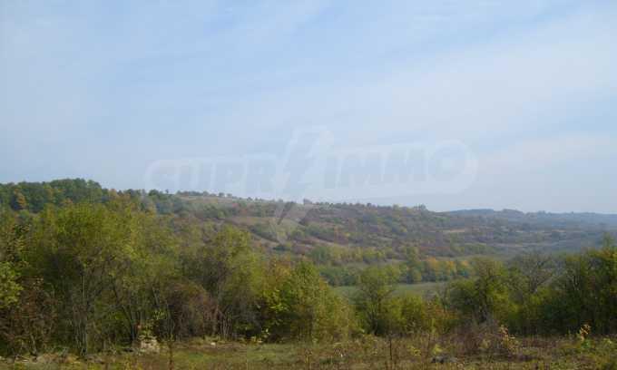 УПИ в планинско село на 17 км от Велико Търново 5