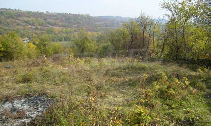 УПИ в планинско село на 17 км от Велико Търново 6