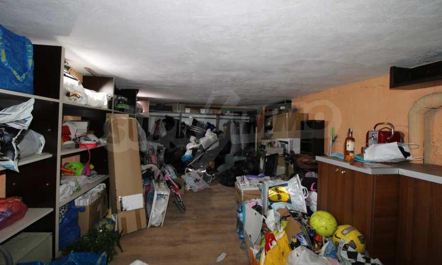 Напълно обзаведен имот с гараж в квартала на гр. В. Търново 20