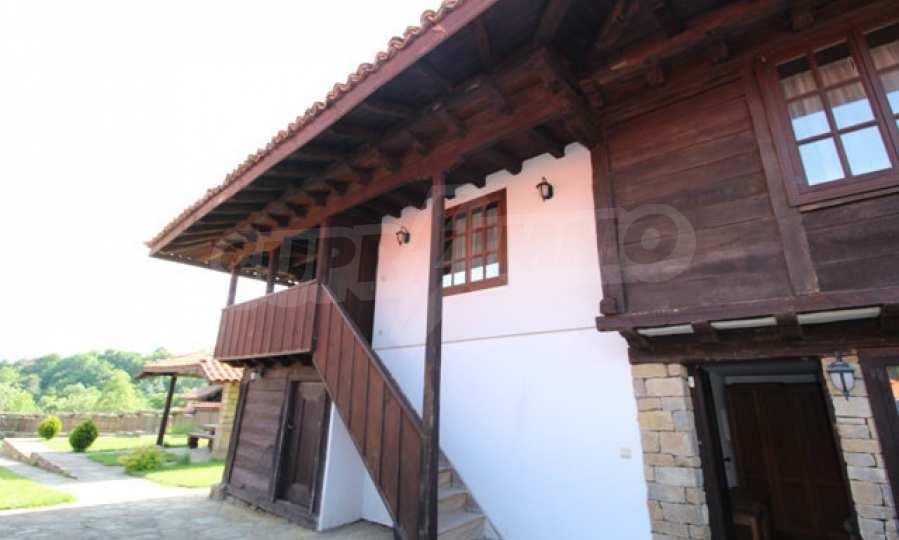 Реновирана Възрожденска къща с двор само на 9 км от град Елена  66