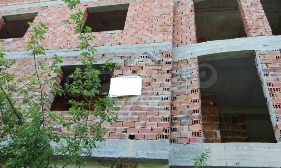 Новопостроен семеен хотел в  квартал на гр. Априлци  11