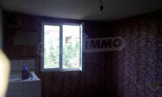 Eдноетажна къща  в село на 11 км от Велико Търново  4