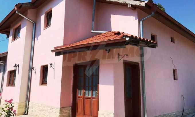 Чудесна къща в к.к. Св.Св. Константин и Елена 1