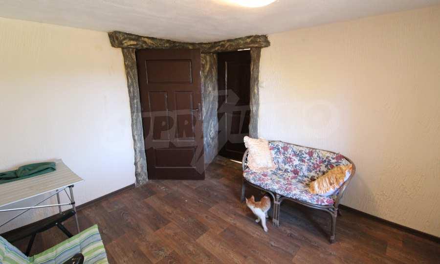 Реновирана двуетажна къща само на 24 км от Велико Търново  18
