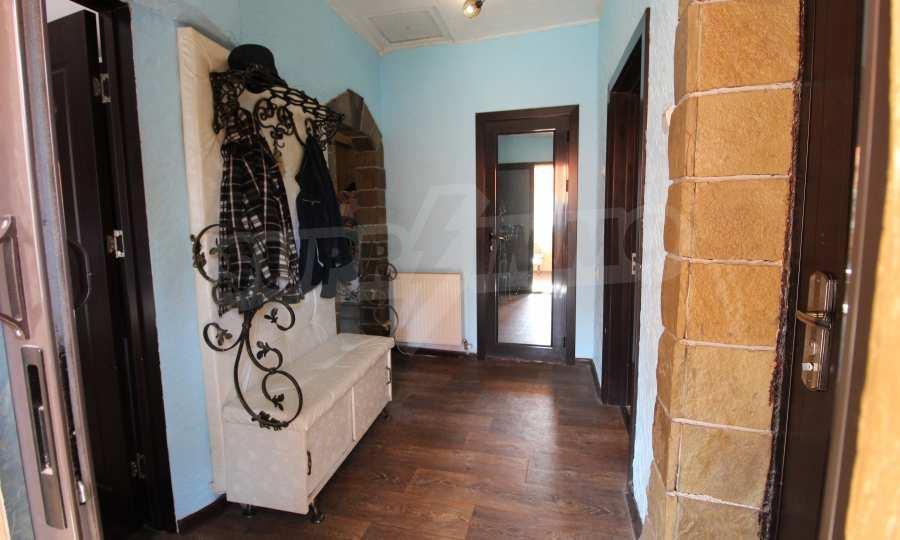 Реновирана двуетажна къща само на 24 км от Велико Търново  35