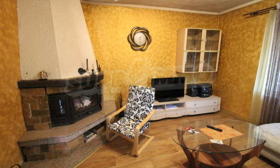 Реновирана двуетажна къща само на 24 км от Велико Търново  40