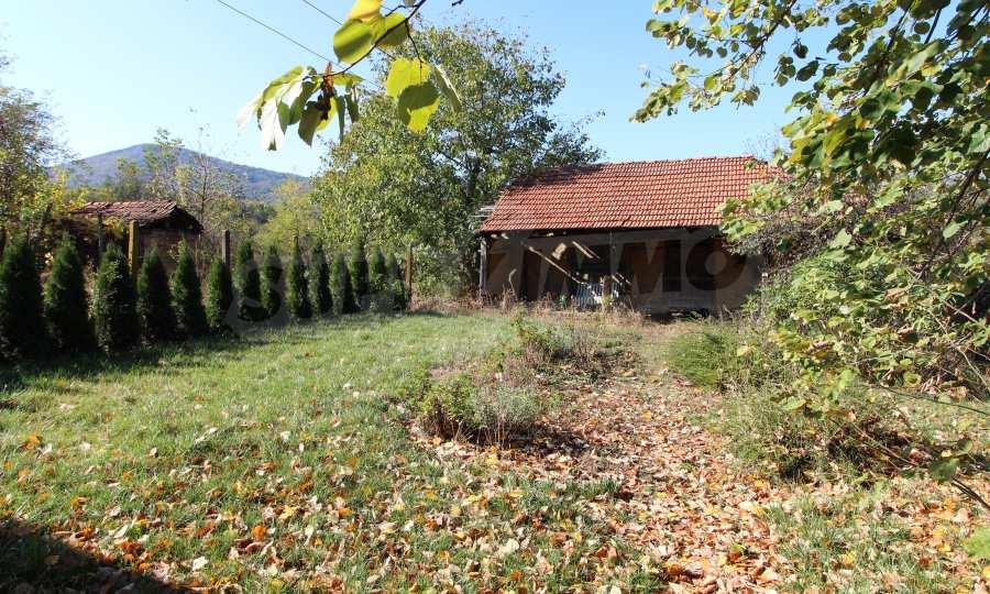 Реновирана двуетажна къща само на 24 км от Велико Търново  8