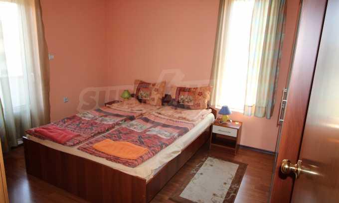 Уютен тристаен апартамент в Банско 3